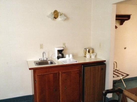 Riverside Inn Bangor: Kitchenette???