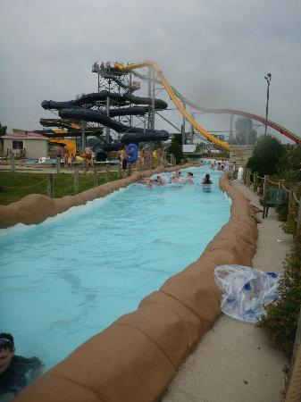 Mandan, Dakota del Norte: The Tower Slides and Tube Slides from the Lazy River