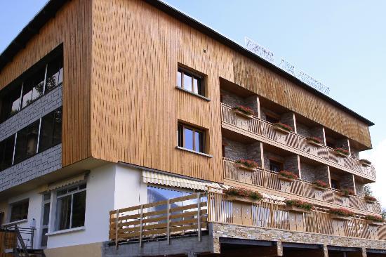 Hôtel les Catrems : Hotel view