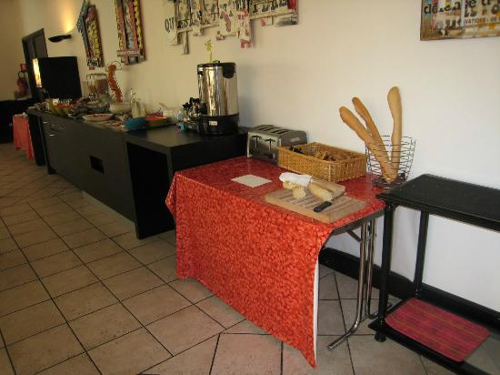 Hotel Arles Plaza: petit déjeuner trés correct