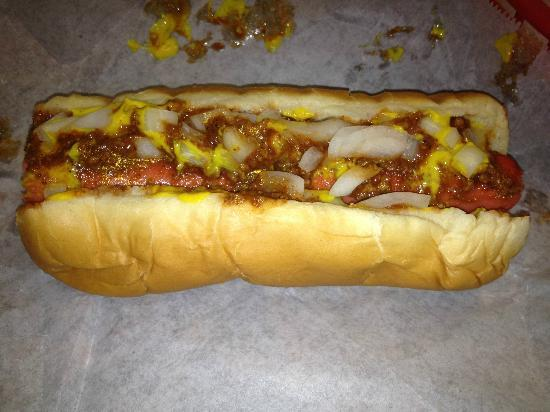 Smiley's BBQ: Nice Chili Dog