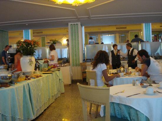 جراند هوتل باركو ديل سول: The breakfast room 