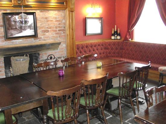 The Crewe & Harpur: Bar dining area