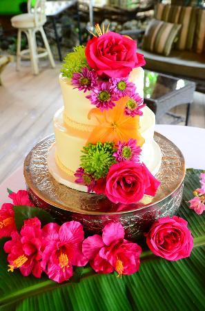 The Pelican: wedding cake