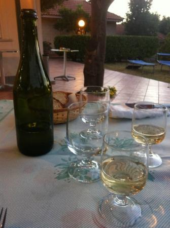 Bluegreen Village: local wine was served with the excellent Orata