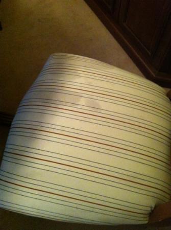 NH Cali Royal: manchas en sillas # 1