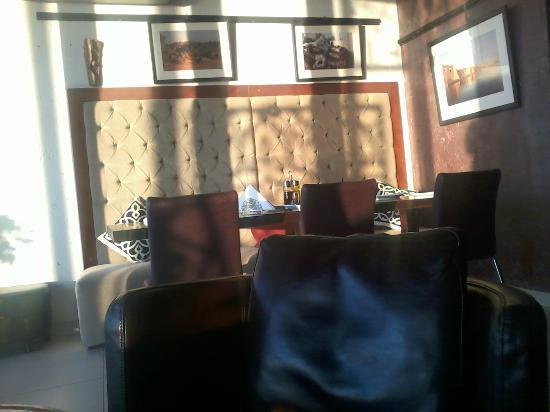 Lamma Cafe: sun