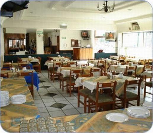 Suites del Real: Restaurant