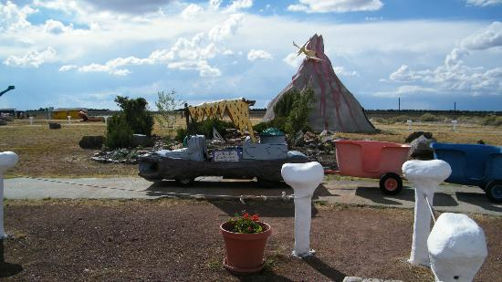 Flintstone's Bedrock City: Train ride through volcano