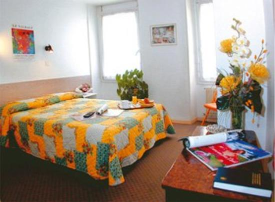 Hotel Cannes Croisette: Guest Room