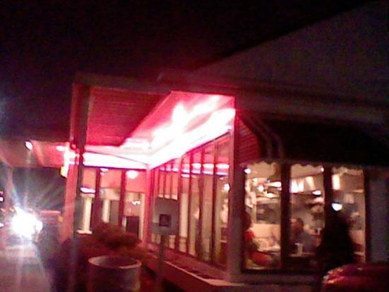 College Park Diner: The building is really pretty at night