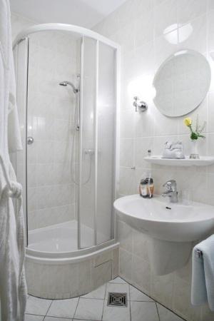 Hotel Benn: Bathroom