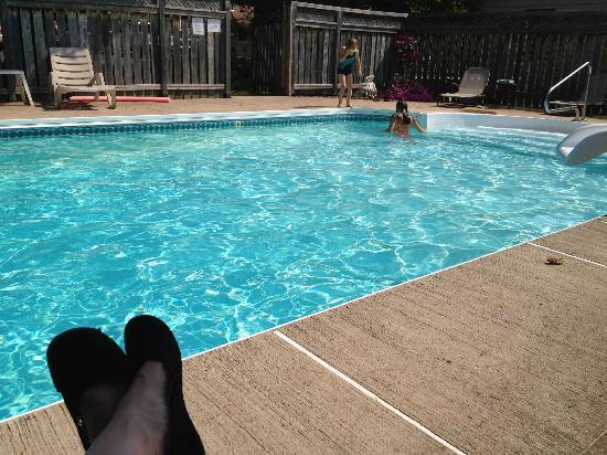 The Clansmen Hotel: Nice clean, big pool!