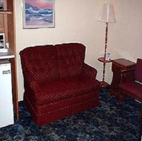 The Clansman Motel: Guest Room