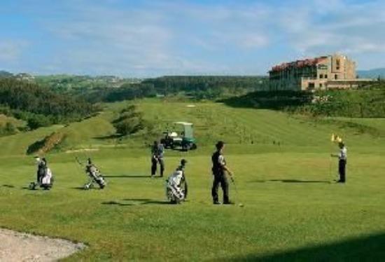 abba Comillas Golf Hotel: Golf
