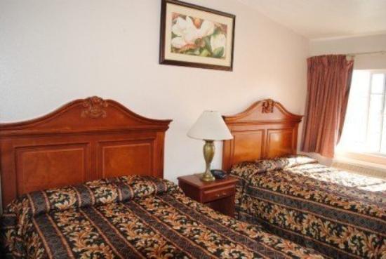 Crystal Lodge Motor Hotel: Room