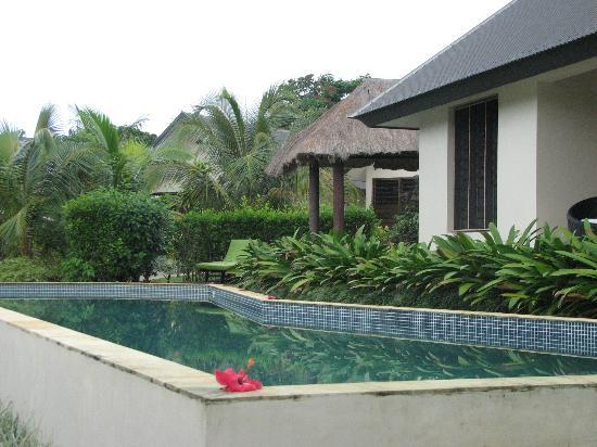 Mangoes Resort: One of the 3 pools
