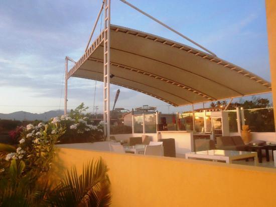 Posada Libert Hotel: Terraza bar