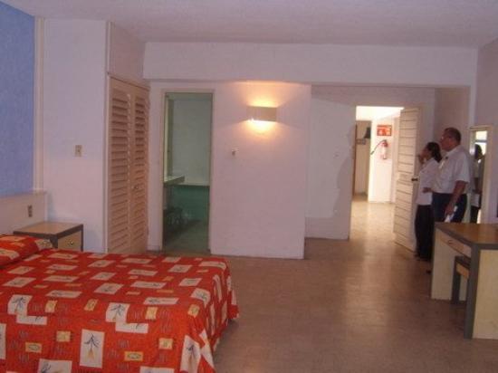 Foto de maralisa hotel and beach club acapulco pool - Hotel las gaunas en logrono ...