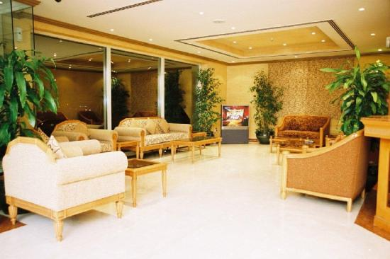 Winchester Grand Hotel Apartments: Lobby view