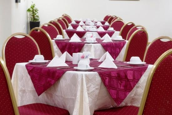 Arabian Dreams Hotel Apartments: Restaurant