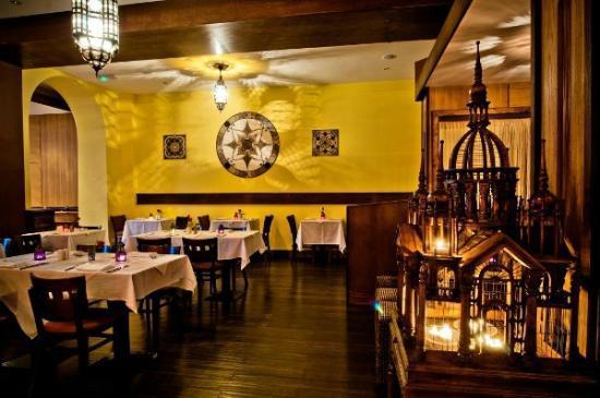 Adiva Restaurant : Middle Room