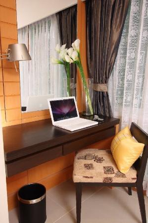 Citin Pratunam Hotel by Compass Hospitality: Working Desk