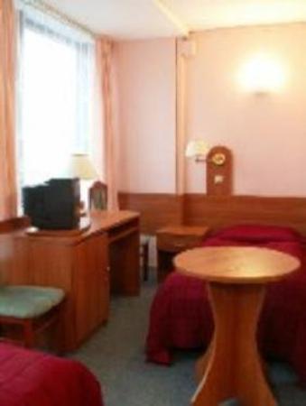 Pomorski Hotel Poznan : Guest Room