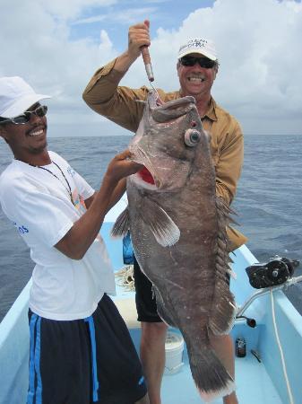 Blue Marlin Beach Resort: Richard hold up a Warsaw Grouper