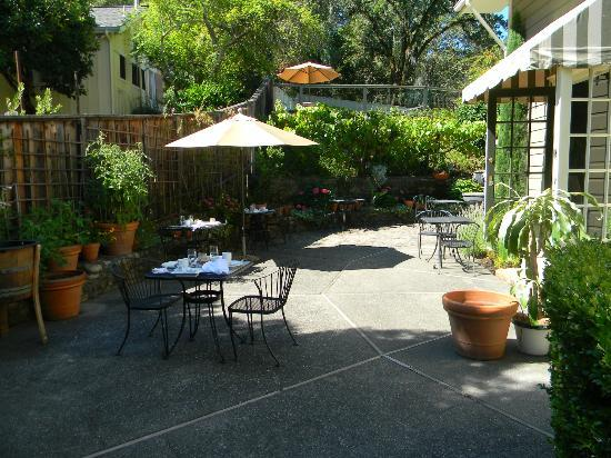 The Chanric Inn: Patio