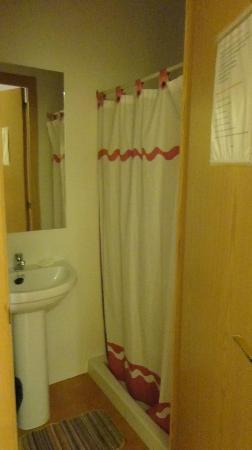 Hostal Machin: Banheiro Compartilhado