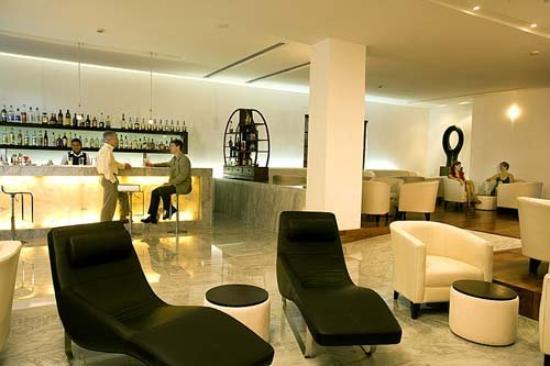 Royal Hideaway Playacar: Las Ventanas Lounge