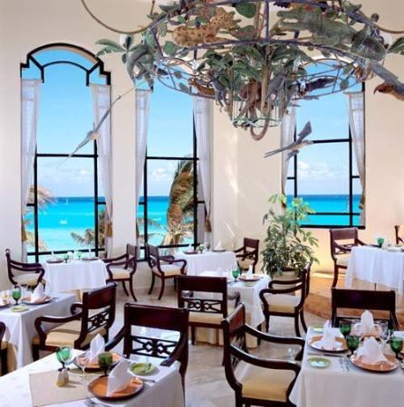 Royal Hideaway Playacar: Mexican Restaurant