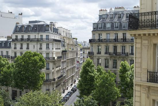 سوفيتيل باريس أرك دو تريومف: View from balcony. 