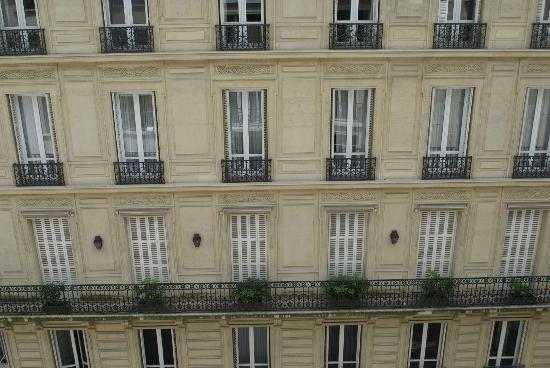 Sofitel Paris Arc de Triomphe: View from balcony.