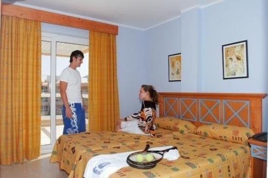 Tropic Garden Aparthotel: Guest Room