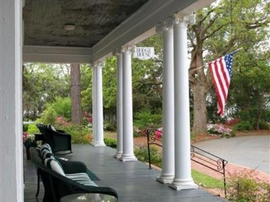 Henderson Village Country Resort: Exterior Porch