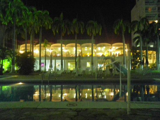 Bella Vista Hotel: Vista de la playa desde el hotel