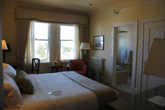 Hotel Drisco Pacific Heights: 4TH FLR STANDARD KING