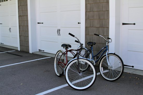 Riverside Inn Bed & Breakfast: bikes