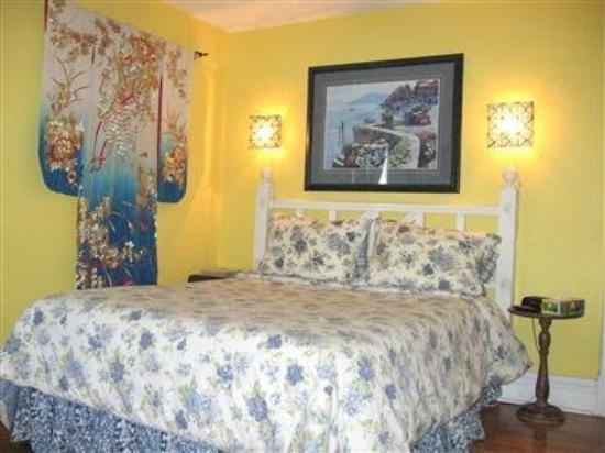 Niagara Inn Bed and Breakfast: Guest Room