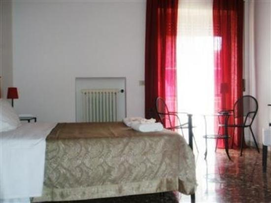 Ganymedes Palace: Guest Room