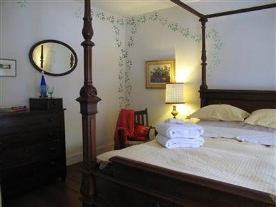The Inn at Sweet Water Farm: Guest Room