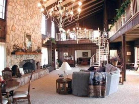 Reality Ranch Quarter Horses: Interior (OpenTravel Alliance - Lobby view)