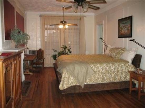 Saint Nicholas Inn: Guest Room