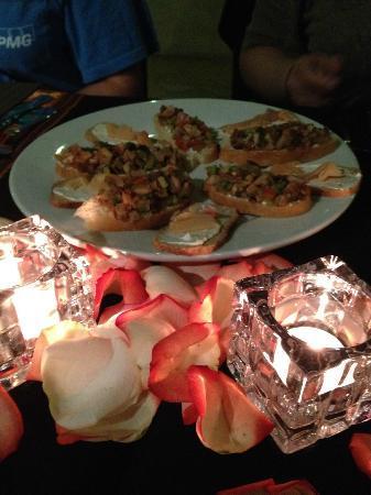 Ixcot's Creperia & Cafe Bar: Bruschetta Appetizer