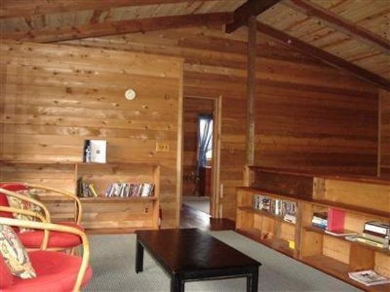 Tara Firma Inn Volcano: Interior Lobby