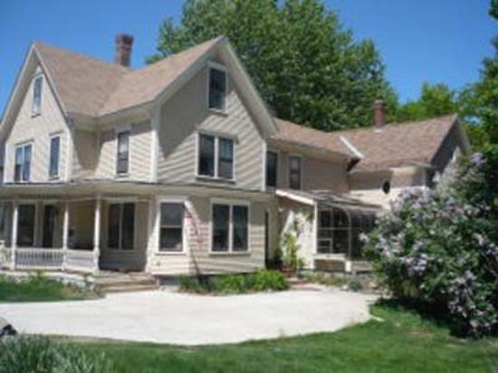 Casaneo Bed and Breakfast: House