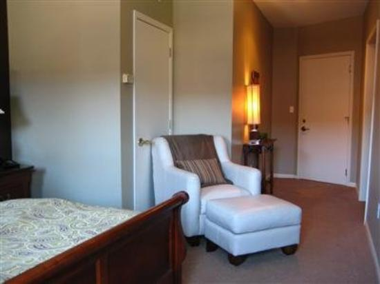 Ophelia's Restaurant and Inn: Guest Room -OpenTravel Alliance - Guest Room-