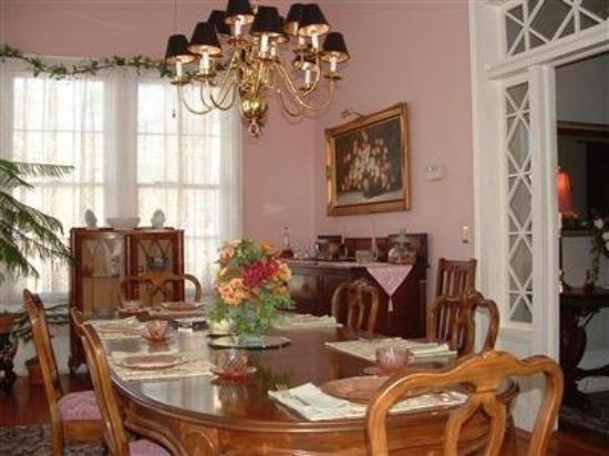 Allison House Inn: Dining Area